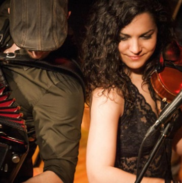 Venerdì 19 gennaio – Serata balli occitani con ALZAMANTES TRAD